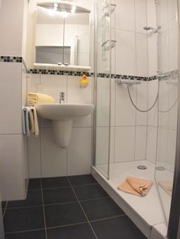 ferienwohnung cuxhaven duhnen residenz hohe lith. Black Bedroom Furniture Sets. Home Design Ideas